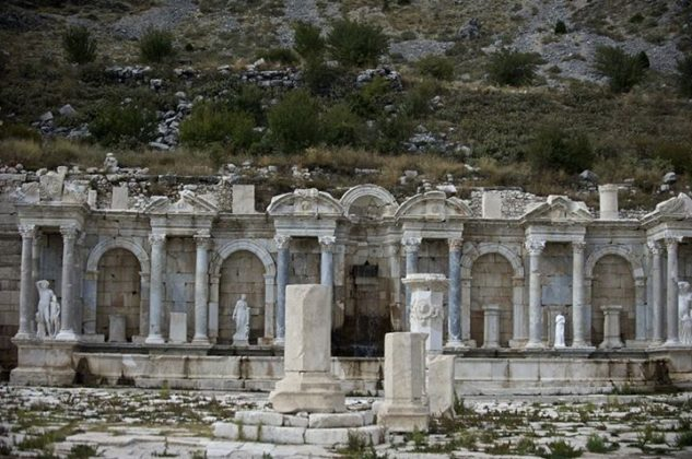 The archaeological site of Sagalassos is located in SW-Turkey, near the present town of Aglasun (Location: Burdur)